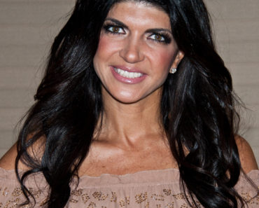 "Teresa Giudice Hosts ""Dinner with Teresa"" at The Coastline Bar & Grill in Cherry Hill - May 17, 2013"
