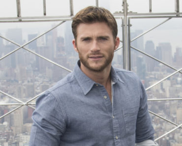 Empire State Building Hosts Britt Robertson and Scott Eastwood on April 9, 2015