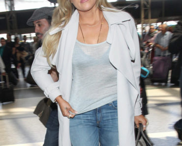 Khloe Kardashian Sighted at LAX on April 7, 2015