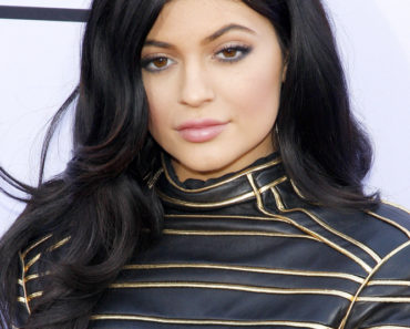 05/17/2015 - Kylie Jenner - 2015 Billboard Music Awards - Arrivals - MGM Garden Arena - Las Vegas, NV, USA - Keywords:  Orientation: Portrait Face Count: 1 - False - Photo Credit: David Gabber / PRPhotos.com - Contact (1-866-551-7827) - Portrait Face Count: 1
