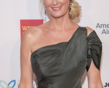 "10/15/2013 - Sandra Lee - Elton John AIDS Foundation's 12th Annual ""An Enduring Vision Benefit"" - Arrivals - Cipriani Wall Street - New York City, NY, USA - Keywords: Arrivals, Celebrities, Gala, Benefit, AIDS, Cipriani, New York City Orientation: Portrait Face Count: 1 - False - Photo Credit: Marco Sagliocco / PRPhotos.com - Contact (1-866-551-7827) - Portrait Face Count: 1"