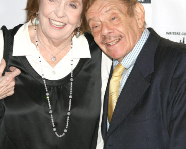 02/07/2009 - Anne Meara and Jerry Stiller - 61st Annual Writers Guild Awards - Arrivals  - The Hudson Theatre at Millennium Broadway Hotel - New York City, NY, USA - Keywords:  - False -  - Photo Credit: Sylvain Gaboury / PR Photos - Contact (1-866-551-7827)