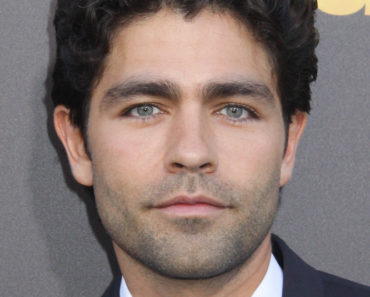 "06/01/2015 - Adrian Grenier - ""Entourage"" Los Angeles Premiere - Arrivals - Regency Village Theatre - Westwood, CA, USA - Keywords: Vertical, California, Premiere, Arrival, Westwood Neighborhood of Los Angeles, Arts Culture and Entertainment, Celebrities, Celebrity, Premiere Of Warner Bros. Pictures' ""Entourage"" Orientation: Portrait Face Count: 1 - False - Photo Credit: Kazuki Hirata / HollywoodNewsWire.net / PRPhotos.com - Contact (1-866-551-7827) - Portrait Face Count: 1"