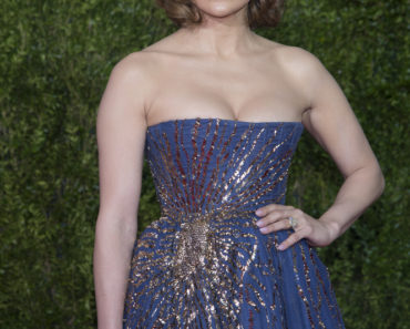 06/07/2015 - Jennifer Lopez - 69th Annual Tony Awards - Arrivals - Radio City Music Hall - New York City, NY, USA - Keywords: Radio City Music Hall, New York City, Arrivals, Tony Awards, Arrivals, Celebrities Orientation: Portrait Face Count: 1 - False - Photo Credit: PR Photos / PRPhotos.com - Contact (1-866-551-7827) - Portrait Face Count: 1