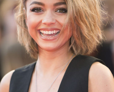 06/21/2015 - Sarah Hyland - 2015 MuchMusic Video Awards - Arrivals - MuchMusic Headquarters - Toronto, Canada - Keywords:  Orientation: Portrait Face Count: 1 - 0 - Photo Credit: Robin Wong / PR Photos - Contact (1-866-551-7827) - Portrait Face Count: 1