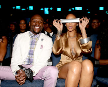 LOS ANGELES, CA - JUNE 28:  Professional boxer Floyd Mayweather, Jr. (L) and recording artist Rihanna attend the 2015 BET Awards at the Microsoft Theater on June 28, 2015 in Los Angeles, California.  (Photo by Christopher Polk/BET/Getty Images for BET)
