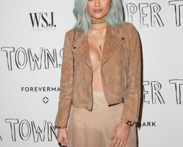 "07/18/2015 - Kylie Jenner - 20th Century Fox ""Paper Towns"" Los Angeles Screening Hosted by WSJ. Magazine and Forevermark - Arrivals - The London West Hollywood - West Hollywood, CA, USA - Keywords: ""Keeping Up with the Kardashians"", Reality TV Star, Reality Television, Woman, Girl, Model, Vertical, Film Industry, Movie Screening, California, City Of Los Angeles, Film Premiere, Portrait, Arts Culture and Entertainment, Attending, Fox Studios, Celebrities, Celebrity, Person, People, Red Carpet Arrival Orientation: Portrait Face Count: 1 - False - Photo Credit: PRPhotos.com - Contact (1-866-551-7827) - Portrait Face Count: 1"