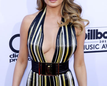 05/17/2015 - Chrissy Teigen - 2015 Billboard Music Awards - Arrivals - MGM Garden Arena - Las Vegas, NV, USA - Keywords:  Orientation: Portrait Face Count: 1 - False - Photo Credit: David Gabber / PRPhotos.com - Contact (1-866-551-7827) - Portrait Face Count: 1