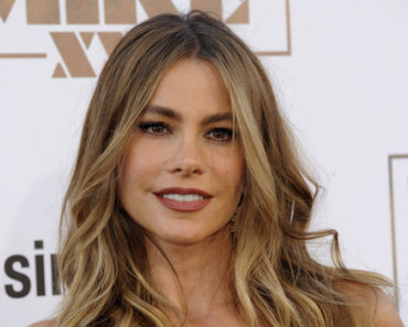 "06/25/2015 - Sofia Vergara - ""Magic Mike XXL"" World Premiere - Arrivals - TCL Chinese Theatre IMAX - Hollywood, CA, USA - Keywords:  Orientation: Portrait Face Count: 1 - False - Photo Credit: David Gabber / PRPhotos.com - Contact (1-866-551-7827) - Portrait Face Count: 1"