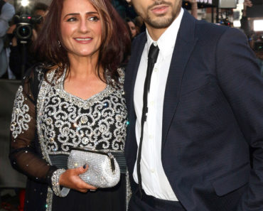 04/17/2015 - Trisha Malik and Zayn Malik - The Asian Awards 2015 - Arrivals - Grosvenor House Hotel, Park Lane - London, UK - Keywords: 1D, One Direction, OneDirection, Musician, Singer, Vertical, Red Carpet Arrival, England, Portrait, Arts Culture and Entertainment, Attending, Celebrities, Celebrity, Topix, Bestof, Ref:LMK73-50972-180415. Orientation: Portrait Face Count: 1 - False - Photo Credit: Landmark / PR Photos - Contact (1-866-551-7827) - Portrait Face Count: 1