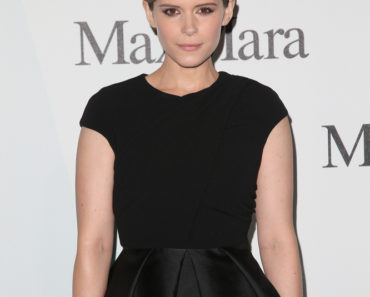 06/16/2015 - Kate Mara - Women In Film's 2015 Crystal + Lucy Awards - Arrivals - Hyatt Regency Century Plaza - Los Angeles, CA, USA - Keywords: Vertical, California, Film, Red Carpet Event, Arts Culture and Entertainment, Attending, Celebrities, Celebrity, Arrival, Person, People, WIF, TV, Media, Digital Orientation: Portrait Face Count: 1 - False - Photo Credit: PRPhotos.com - Contact (1-866-551-7827) - Portrait Face Count: 1