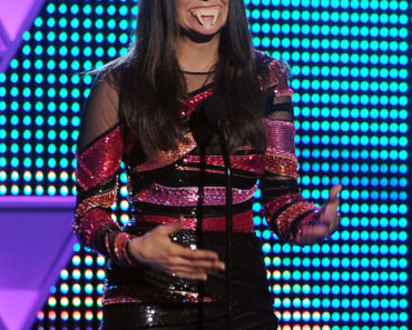 TEEN CHOICE 2015: Nina Dobrev winner of the Choice TV Actress Sci-Fi/Fantasy during TEEN CHOICE 2015, airing LIVE Sunday, Aug. 16 (8:00-10:00 PM ET live/PT tape-delayed) on FOX at the Galen Center, in Los Angeles, CA.  CR: Ray Mickshaw/FOX