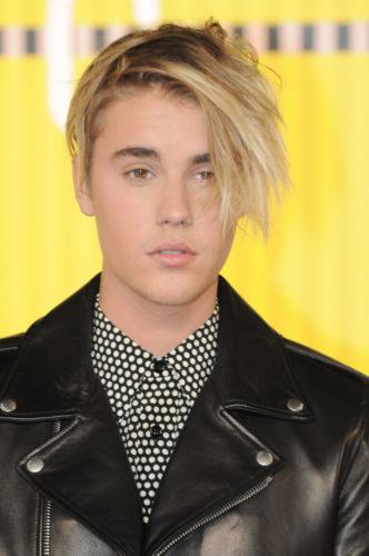08/30/2015 - Justin Bieber - 2015 MTV Video Music Awards - Arrivals - Microsoft Theater - Los Angeles, CA, USA - Keywords: headshot, head shot, singer Orientation: Portrait Face Count: 1  Headshot - False - Photo Credit: Aaron J. Thornton / PR Photos - Contact (1-866-551-7827) - Portrait Face Count: 1