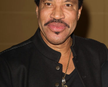 02/26/2015 - Lionel Richie - 2015 Vanity Project for The Prince's Trust Photocall - Cafe Royal - London, UK - Keywords: People, Vertical, Topics, England, Photo Call, Launch Event, Arts Culture and Entertainment, Attending, Celebrities, Topix, Bestof, Celebrity, Project Vanity Launch, Ref:LMK73-50574-270215 Orientation: Portrait Face Count: 1 - False - Photo Credit: Landmark / PR Photos - Contact (1-866-551-7827) - Portrait Face Count: 1