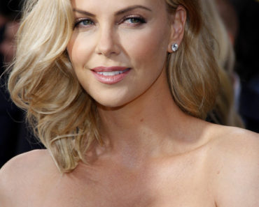 "05/07/2015 - Charlize Theron - ""Mad Max: Fury Road"" Los Angeles Premiere - Arrivals - TCL Chinese Theatre IMAX - Hollywood, CA, USA - Keywords:  Orientation: Portrait Face Count: 1 - False - Photo Credit: David Gabber / PRPhotos.com - Contact (1-866-551-7827) - Portrait Face Count: 1"