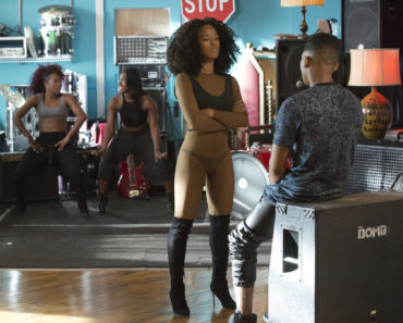 EMPIRE: Pictured L-R: Serayah McNeill as Tiana and Bryshere Gray as Hakeem Lyon in the ÒWithout A CountryÓ episode of EMPIRE airing Wednesday, Sept. 30 (9:00-10:00 PM ET/PT) on FOX. ©2015 Fox Broadcasting Co. Cr: Chuck Hodes/FOX.
