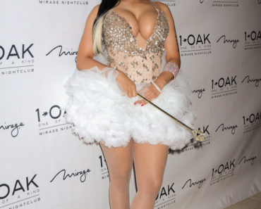 10/30/2015 - Nicki Minaj - Nicki Minaj Hosts Fun-Oak Themed Haunted Funhouse Halloween Party at 1Oak Nightclub in Las Vegas - 1Oak Nightclub at The Mirage Hotel and Casino - Las Vegas, NV, USA - Keywords: Black High Heel Platform Shoes, Full Length Shot, White Stockings, Magic Wand, Vertical, Ring, Bracelet, Earrings, Jewelry, Tiara, Crown, Musician, Social Event, Clothing, Nevada, Singer, Rapper, Music, Musician, Performer, Princess, Fairy, Cleavage, Long Straight Black Hair, Photography, Arts Culture and Entertainment, Attending, Celebrities, Celebrity, Person, Woman Orientation: Portrait Face Count: 1 - False - Photo Credit: PRN / PRPhotos.com - Contact (1-866-551-7827) - Portrait Face Count: 1