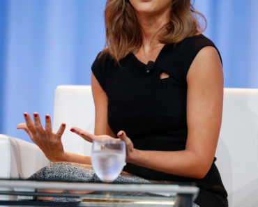 11/19/2015 - Jessica Alba - Pennsylvania Conference for Women 2015 - Philadelphia Convention Center - Philadelphia, PA, USA - Keywords: Jessica Alba, Honest.com, Pennsylvania women's Conference, PWC, Mateophoto Orientation: Portrait Face Count: 1 - False - Photo Credit: Alex Mateo / PRPhotos.com - Contact (1-866-551-7827) - Portrait Face Count: 1