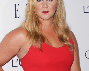 10/12/2015 - Amy Schumer - 22nd Annual Elle Women in Hollywood Awards - Arrivals - Four Seasons Hotel Los Angeles at Beverly Hills, 300 S Doheny Drive - Los Angeles, CA, USA - Keywords: Vertical, People, Topics, Beverly Hills, California, Award, Fashion, Red Carpet Event, Arts Culture and Entertainment, Attending, Celebrities, Topix, Bestof, Celebrity Orientation: Portrait Face Count: 1 - False - Photo Credit: PRPhotos.com - Contact (1-866-551-7827) - Portrait Face Count: 1