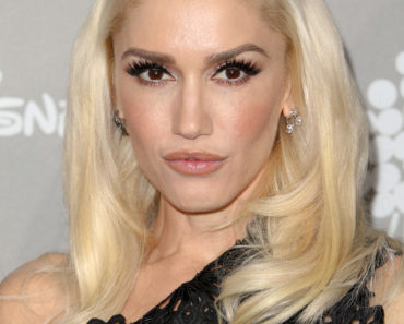 11/14/2015 - Gwen Stefani - 2015 Baby2Baby Gala - Arrivals - 3LABS - Culver City, CA, USA - Keywords: Vertical, Portrait, Photography, Arts Culture and Entertainment, Attending, Celebrities, Annual Event, Celebrity, Person, People, Baby 2 Baby Gala, California, Arrival Orientation: Portrait Face Count: 1 - False - Photo Credit: PRPhotos.com - Contact (1-866-551-7827) - Portrait Face Count: 1
