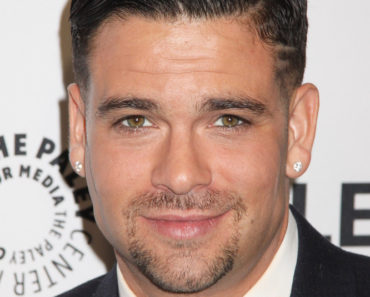 "03/13/2015 - Mark Salling - 32nd Annual PaleyFest LA - ""Glee"" - Arrivals - Dolby Theatre - Hollywood, CA, USA - Keywords: Vertical, The Paley Center for Media's 32nd Annual PALEYFEST Los Angeles ""Glee"" Arrival, People, Topics, California, Television Show, The Media, Arts Culture and Entertainment, Museum of Television and Radio, Celebrities, William S. Paley Television Festival, Topix, Bestof, Celebrity Orientation: Portrait Face Count: 1 - False - Photo Credit: Kazuki Hirata / HollywoodNewsWire.net / PRPhotos.com - Contact (1-866-551-7827) - Portrait Face Count: 1"