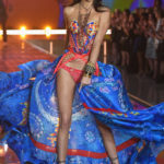 fashion-show-runway-2015-boho-psychadelic-kendall-look-6-victorias-secret-hi-res