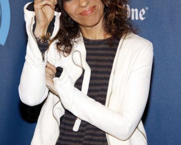 04/20/2013 - Linda Perry - 24th Annual GLAAD Media Awards - Arrivals - JW Marriott Los Angeles at L.A. LIVE - Los Angeles, CA, USA - Keywords:  Orientation: Portrait Face Count: 1 - False - Photo Credit: David Gabber / PRPhotos.com - Contact (1-866-551-7827) - Portrait Face Count: 1