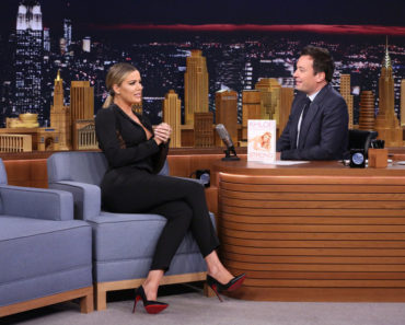 THE TONIGHT SHOW STARRING JIMMY FALLON -- Episode 0399 -- Pictured: (l-r) Television personality Khloé Kardashian during an interview with host Jimmy Fallon on January 13, 2016 -- (Photo by: Douglas Gorenstein/NBC)