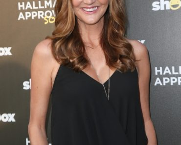 06/10/2015 - Heather McDonald - The Hallmark Shoebox Relaunch and 29th Birthday Celebration - Arrivals - The Improv - Hollywood, CA, USA - Keywords: Vertical, Club, People, Humor, Birthday, California, Person, Portrait, People, Arts Culture and Entertainment, Attending, Celebrities, Celebrity Orientation: Portrait Face Count: 1 - False - Photo Credit: PRPhotos.com - Contact (1-866-551-7827) - Portrait Face Count: 1