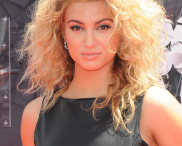 06/28/2015 - Tori Kelly - 2015 BET Awards - Arrivals - Microsoft Theater - Los Angeles, CA, USA - Keywords: head shot, headshot, singer Orientation: Portrait Face Count: 1 - False - Photo Credit: Aaron J. Thornton / PR Photos - Contact (1-866-551-7827) - Portrait Face Count: 1