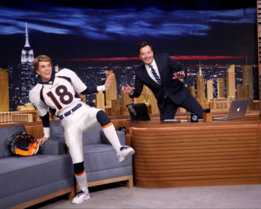 THE TONIGHT SHOW STARRING JIMMY FALLON -- Episode 0416 -- Pictured: (l-r) Actress Kristen Wiig dressed as Denver Bronco's quarterback Peyton Manning during an interview with host Jimmy Fallon on February 11, 2016 -- (Photo by: Andrew Lipovsky/NBC)