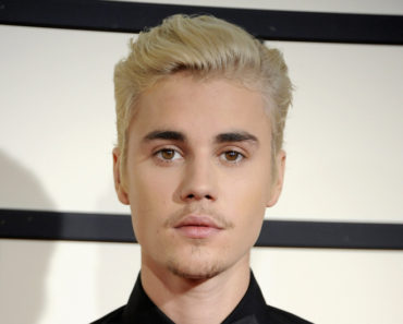 02/15/2016 - Justin Bieber - The 58th GRAMMY Awards - Arrivals - Staples Center - Los Angeles, CA, USA - Keywords: Orientation: Portrait Face Count: 1 - False - Photo Credit: David Gabber / PRPhotos.com - Contact (1-866-551-7827) - Portrait Face Count: 1