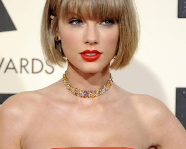 02/15/2016 - Taylor Swift - The 58th GRAMMY Awards - Arrivals - Staples Center - Los Angeles, CA, USA - Keywords: Orientation: Portrait Face Count: 1 - False - Photo Credit: David Gabber / PRPhotos.com - Contact (1-866-551-7827) - Portrait Face Count: 1