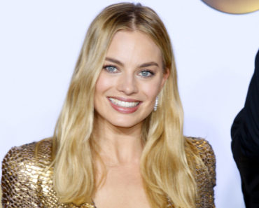 02/28/2016 - Margot Robbie - 88th Annual Academy Awards - Press Room - Loews Hollywood Hotel - Hollywood, CA, USA - Keywords:  Orientation: Portrait Face Count: 1 - False - Photo Credit: David Gabber / PRPhotos.com - Contact (1-866-551-7827) - Portrait Face Count: 1