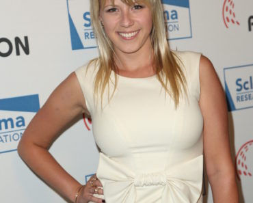 "06/05/2015 - Jodie Sweetin - 2015 ""Cool Comedy - Hot Cuisine"" an Evening to Benefit Scleroderma Research Foundation SRF - Arrivals - Beverly Wilshire Four Seasons Hotel - Beverly Hills, CA, USA - Keywords: Vertical, People, Humor, California, Person, Portrait, Charity Benefit, Arts Culture and Entertainment, Attending, Regent Beverly Wilshire Hotel, Celebrities, Research Foundation, Celebrity Orientation: Portrait Face Count: 1 - False - Photo Credit: Guillermo Proano / PR Photos - Contact (1-866-551-7827) - Portrait Face Count: 1"