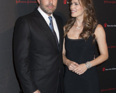 11/19/2014 - Ben Affleck, Jennifer Garner - 2nd Annual Save the Children Illumination Gala - Arrivals - Plaza Hotel - New York City, NY, USA - Keywords: Vertical, Topics, Celebrities, Arts Culture and Entertainment, Attending, Topix, Bestof, Celebrity Orientation: Portrait Face Count: 1 - False - Photo Credit: Janet Mayer / PRPhotos.com - Contact (1-866-551-7827) - Portrait Face Count: 1
