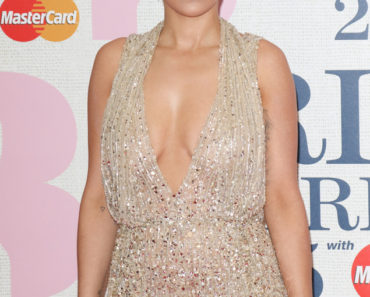 02/25/2015 - Rita Ora - BRIT Awards 2015 - Arrivals - 02 Arena - London, UK - Keywords: Vertical, Looking At Camera, Topics, Music, Award, England, Red Carpet Event, Arts Culture and Entertainment, Attending, Celebrities, Topix, Bestof, Celebrity, Ref:LMK73-50560-260215 Orientation: Portrait Face Count: 1 - False - Photo Credit: Landmark / PR Photos - Contact (1-866-551-7827) - Portrait Face Count: 1
