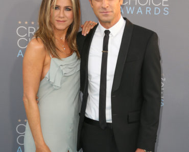 01/17/2016 - Jennifer Aniston, Justin Theroux - The 21st Annual Critics' Choice Awards - Arrivals - Barker Hangar - Santa Monica, CA, USA - Keywords: Vertical, California, People, Person, Award, Photography, Portrait, Arts Culture and Entertainment, Attending, Celebrities, Celebrity, Annual Event, Critics' Choice Movie Awards, Topix, Bestof, Critics' Choice Television Awards Orientation: Portrait Face Count: 1 - False - Photo Credit: PRPhotos.com - Contact (1-866-551-7827) - Portrait Face Count: 1