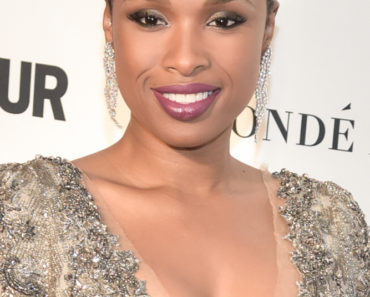11/09/2015 - Jennifer Hudson - Glamour's 25th Anniversary Women Of The Year Awards - Arrivals - Carnegie Hall - New York City, NY, USA - Keywords:  Orientation: Portrait Face Count: 1 - False - Photo Credit: Loredana Sangiuliano / PRPhotos.com - Contact (1-866-551-7827) - Portrait Face Count: 1