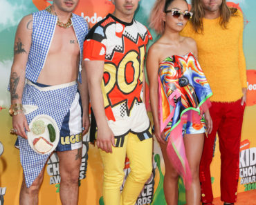 03/12/2016 - Cole Whittle, Joe Jonas, JinJoo Lee, and Jack Lawless of DNCE - Nickelodeon's 2016 Kids' Choice Awards - Arrivals - The Forum - Inglewood, CA, USA - Keywords: Vertical, Arrival, Attending, People Person, Award, Television Show, Film, Portrait, Photography, Film Industry, Fashion, Arts Culture and Entertainment, Celebrity, Celebrities, Nickelodeon Kids' Choice Awards, Topix, Bestof, 29th Annual Nickelodeon Kids' Choice Awards, California Orientation: Portrait Face Count: 1 - False - Photo Credit: PRPhotos.com - Contact (1-866-551-7827) - Portrait Face Count: 1