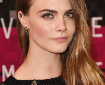 rimmel-announces-cara-delevingne-as-new-brand-ambassador-15-HR