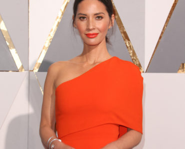 02/28/2016 - Olivia Munn - 88th Annual Academy Awards - Arrivals - Hollywood & Highland Center - Hollywood, CA, USA - Keywords: Vertical, Oscars, Television Show, TV, Film Industry, Movie, Arrival, Attending, Portrait, Photography, Red Carpet Event, Arts Culture and Entertainment, Celebrities, Celebrity, Hollywood and Highland Center, Topix, Bestof, Person, People, 2016 Annual Academy Awards, Los Angeles, California Orientation: Portrait Face Count: 1 - False - Photo Credit: PRPhotos.com - Contact (1-866-551-7827) - Portrait Face Count: 1