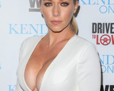 "03/31/2016 - Kendra Wilkinson - WEtv Celebrates the Premiere of ""Kendra on Top"" and ""Driven to Love"" - Arrivals - Estrella Sunset - West Hollywood, CA, USA - Keywords: Vertical, Red Carpet Event, Celebration, Premiere, Arrival, Portrait, Photography, Arts Culture and Entertainment, Celebrities, Celebrity, Topix, Bestof, TV Personality, Los Angeles, California Orientation: Portrait Face Count: 1 - False - Photo Credit: PRPhotos.com - Contact (1-866-551-7827) - Portrait Face Count: 1"