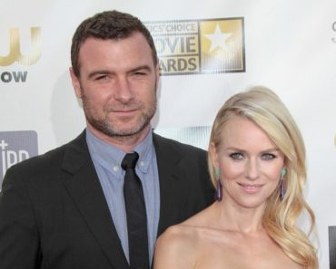 01/10/2013 - Liev Schreiber and Naomi Watts - 18th Annual Critics' Choice Movie Awards - Arrivals - The Barker Hanger - Santa Monica, CA, USA - Keywords:  Orientation: Portrait Face Count: 2 - False - Photo Credit: Andrew Evans  / PR Photos - Contact (1-866-551-7827) - Portrait Face Count: 2